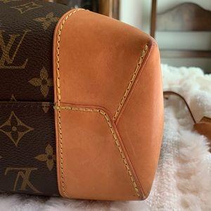 Louis Vuitton Bags - ❤️Louis Vuitton Large Hobo Handbag❤️